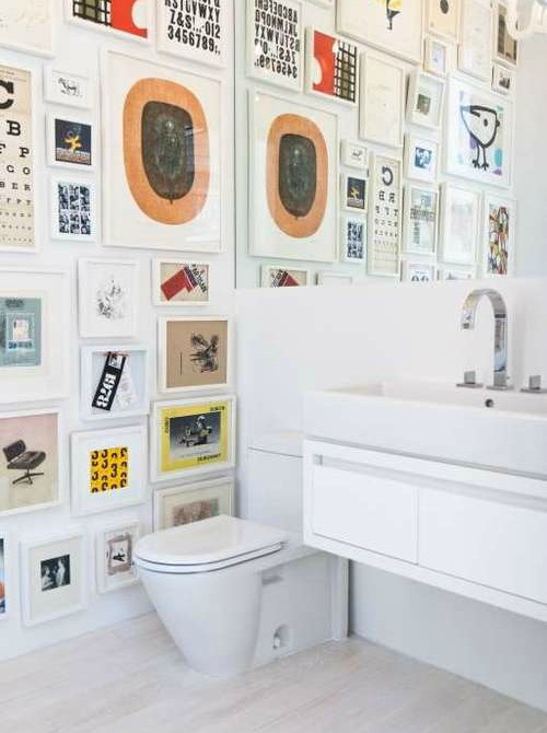 bathroom-gallery-wall