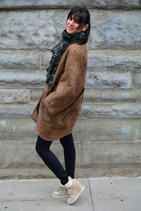 Donna Karan coat and Gucci scarf via youmademelikeyou.com