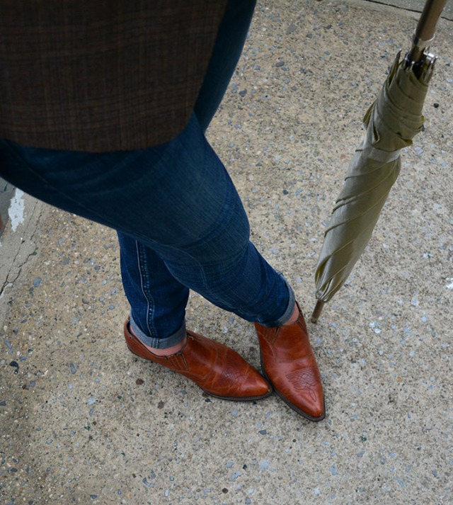 Rainy day outfit via youmademelikeyou.com Vintage Code West shoes