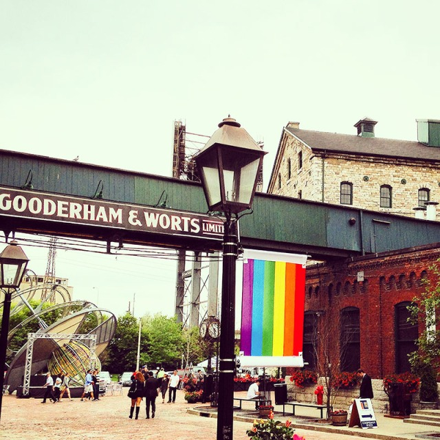Distillery District Toronto via youmademelikeyou.com