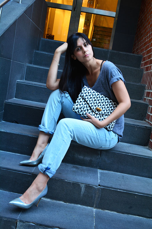 Jeans: Proenza Schouler / TShirt: Gap / Clutch: Scoop NYC / Shoes: Shoemint / Belt: Proenza Schouler