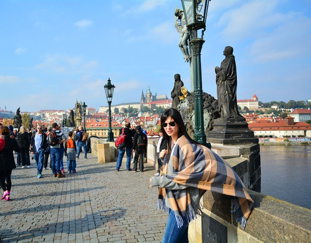 Travel Photo Diary - Prague  - via youmademelikeyou.com