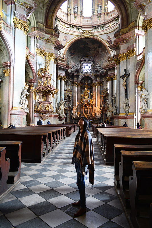 Travel Photo Diary - Prague  - via youmademelikeyou.com