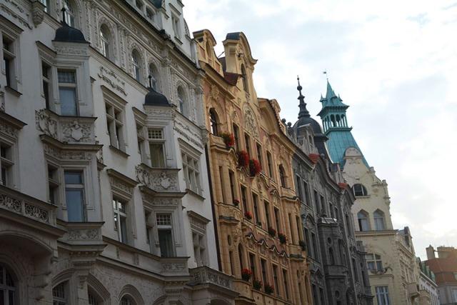 Photo Travel Diary, Prague Czech Republic, via youmademelikeyou.com
