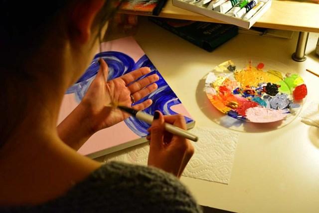 paint globs and color swirls  via youmademelikeyou.com