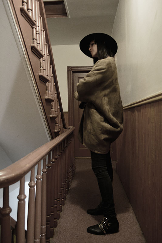 Oversized coat and felt hat #ootd via youmademelikeyou.com