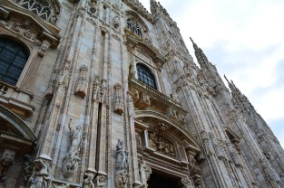 Day at the Duomo in Milan, Italy via youmademelikeyou.com