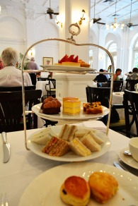 High Tea at the Raffles Hotel Singapore via youmademelikeyou.com