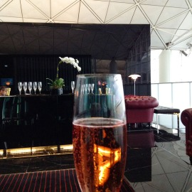champagne bar at Cathay Pacific first class lounge, Hong Kong, via youmademelikeyou.com