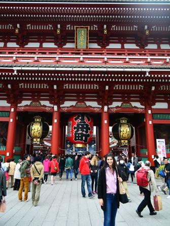 Sensō-ji temple Tokyo, Japan via youmademelikeyou.com
