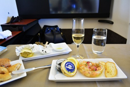 caviar on Japan Airlines JAL first class flight via youmademelikeyou.com